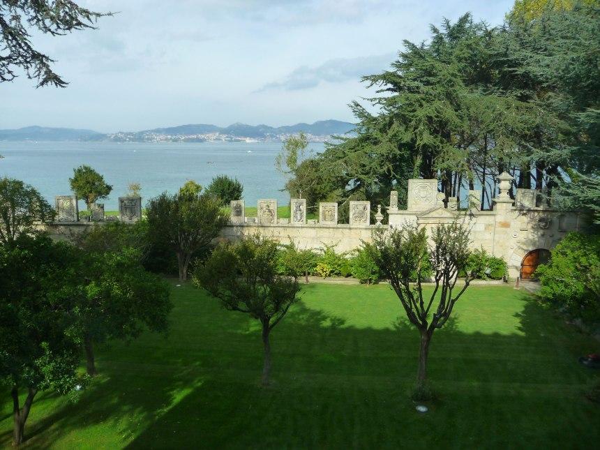 Garden-of-Hotel-Escudos-Loo