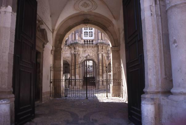 Courtyard in Piazza Duomo, Siracusa