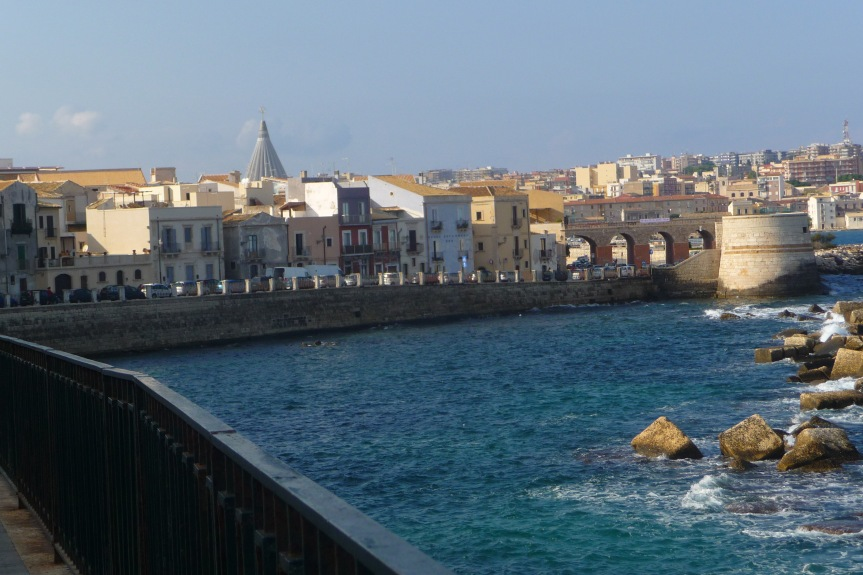 A Bridge Links Old and New Siracusa