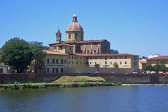 El Duomo from one side of the River Arno