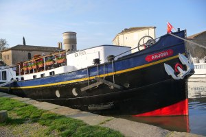 The Anjodi Barge