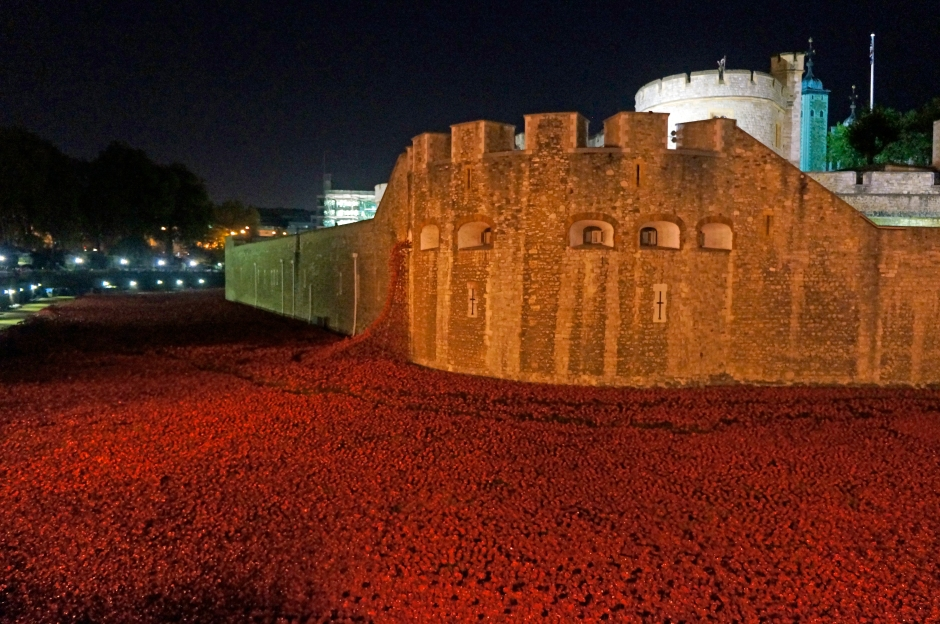 Night time at the Tower of London (2)