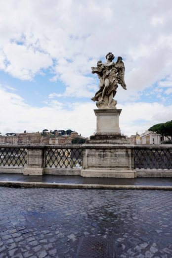 Angel on the Ponte Sant'Angelo