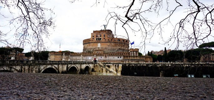 Castel-Sant'Angelo-from-across-the-Tiber