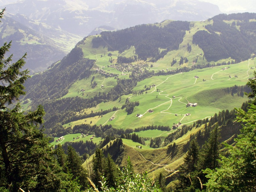 Walking trails to Stanserhorn