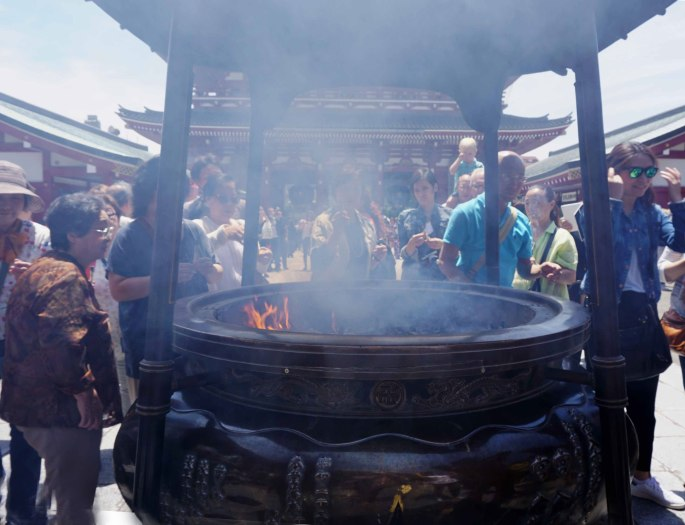 Bathing-in-the-Smoke-at-Senso-Ji