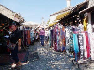 colourful-souk-on-way-to-bridge-mostar