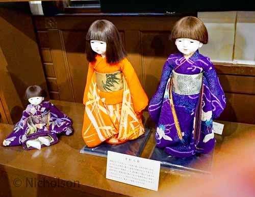 dolls-3dolls-3