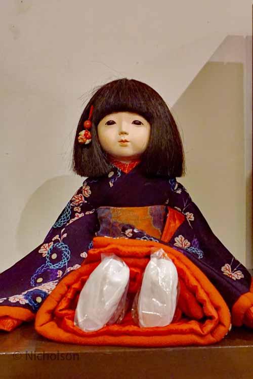 dolls-6dolls-6