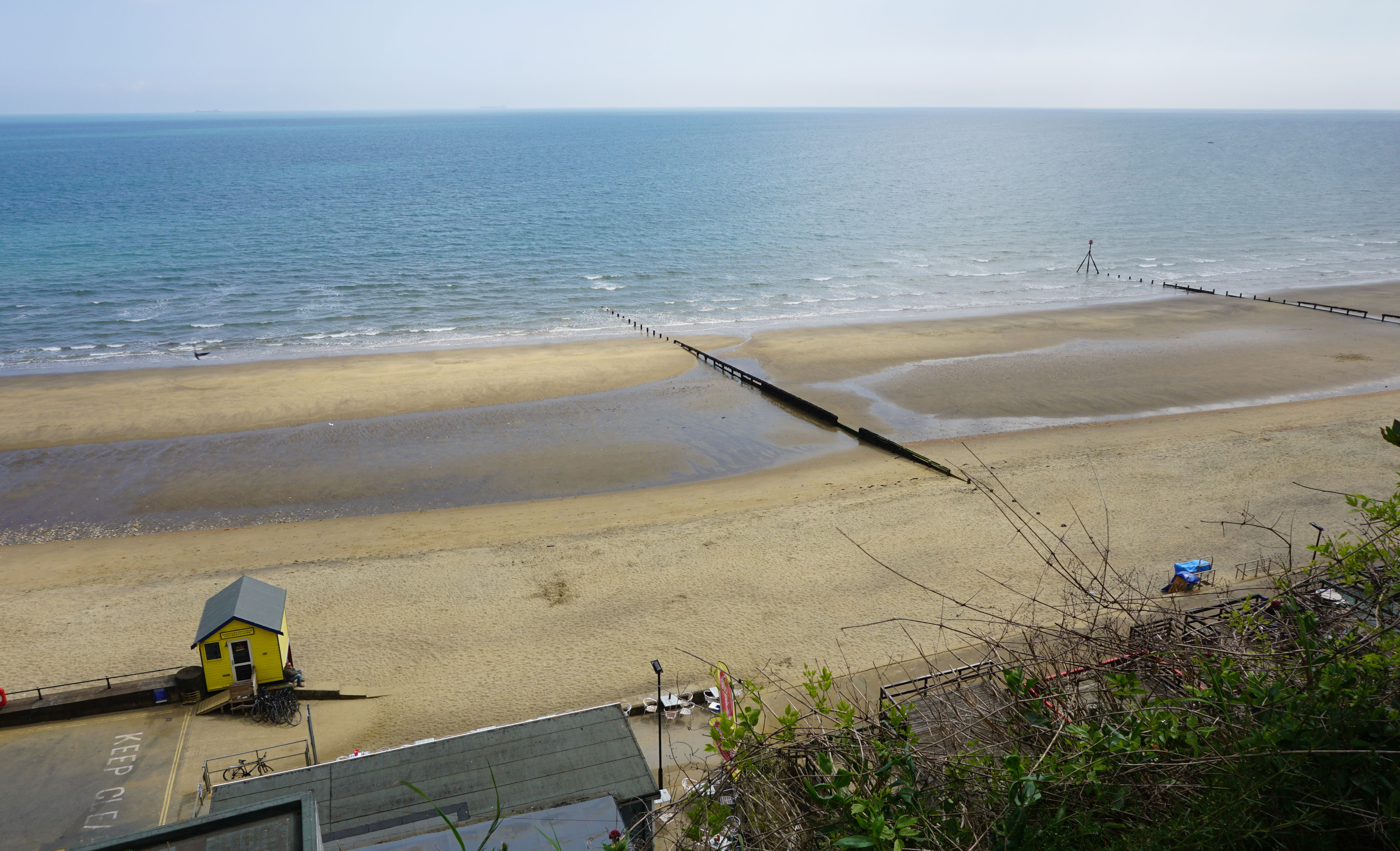 Looking-down-to-Beach-from-Cliff-Path.-Sandown
