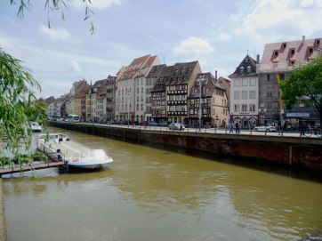 Canal-scene-in-Petite-France
