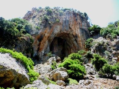 A-Famous-Mounain-Cave