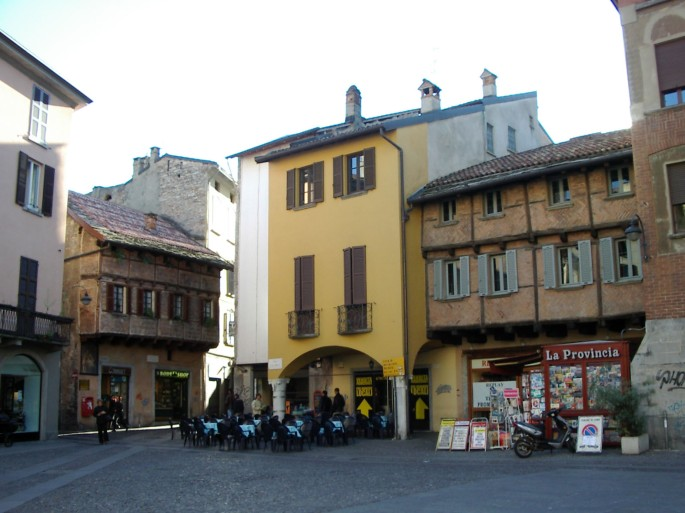 Como - Piazza San Fedele 2