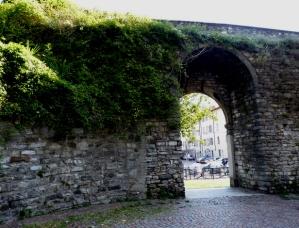 Como's Old Walls