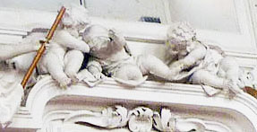 A much darker putti scene. This looks more like murder than play.