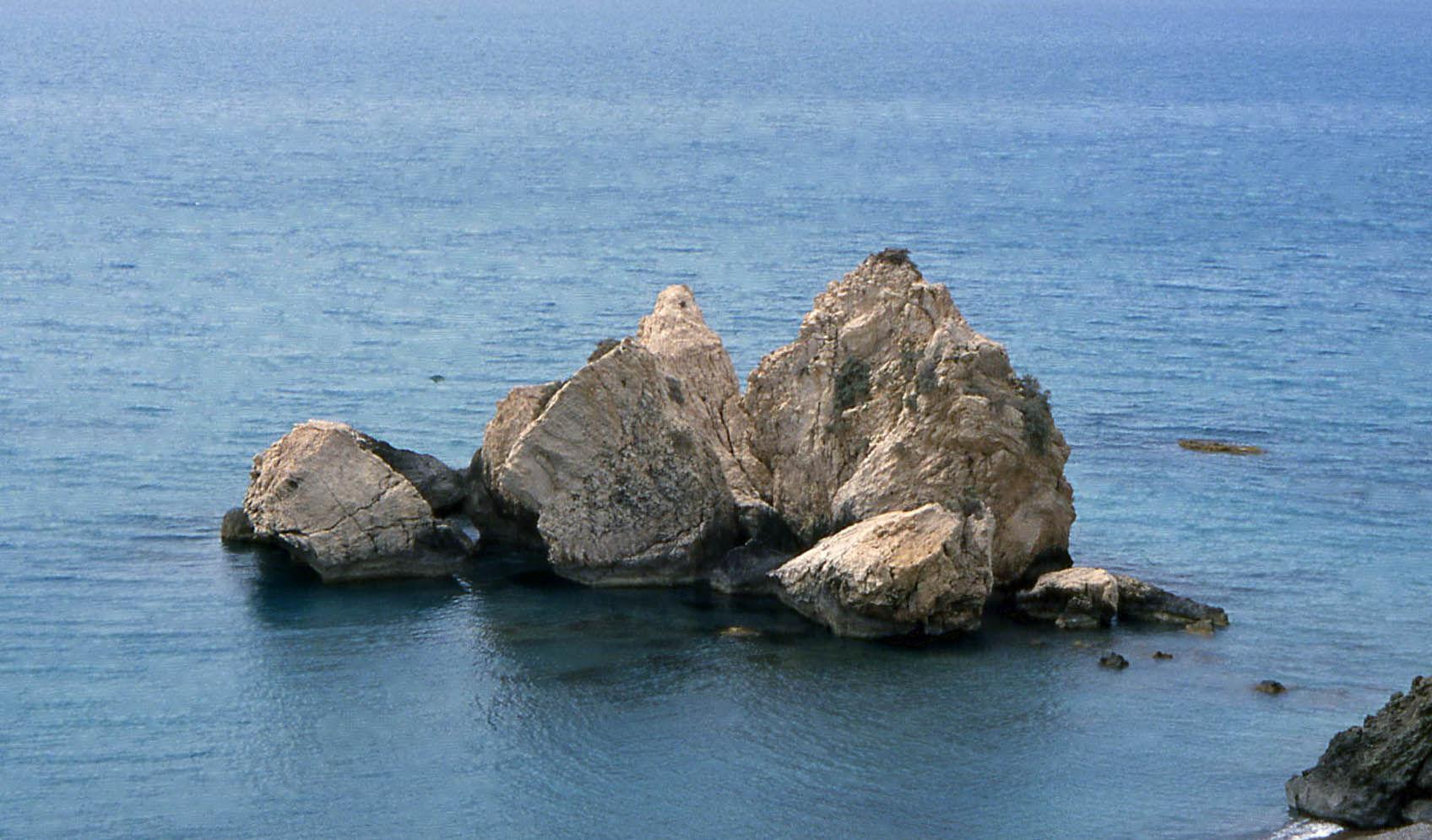 Aphrodite's Rocks (Limassol to Paphos