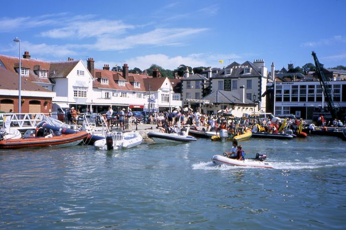 Cowes3