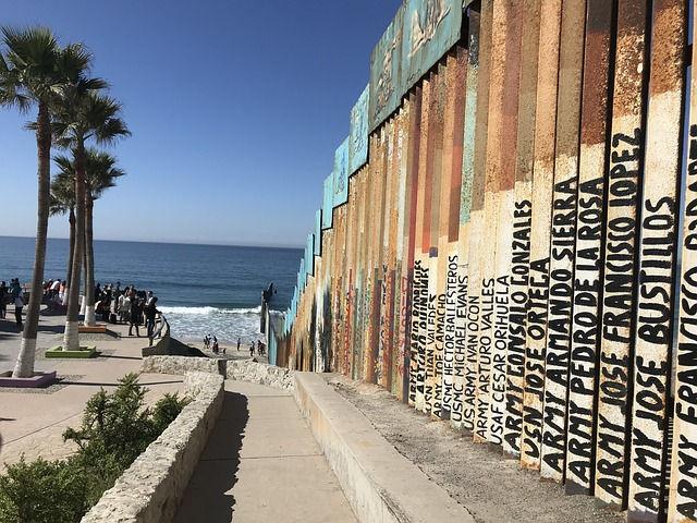Tijuana Border (2)