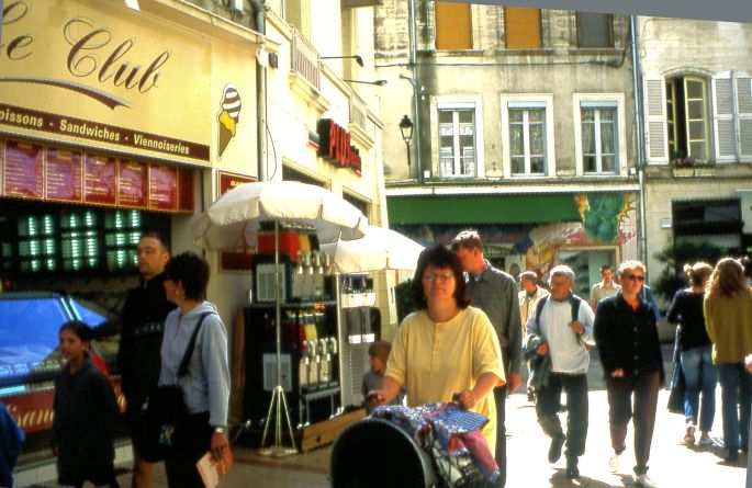 Avignon street scene