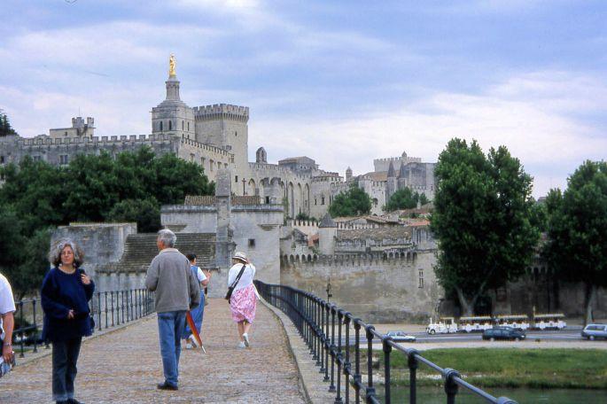 Sur le Pont de Avignon on a windy day.