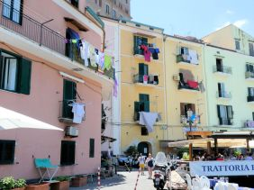 What could be more Italian than the washing on the balcony